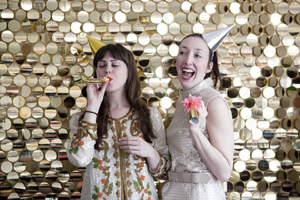 DIY gold sequins backdrop for photo booth