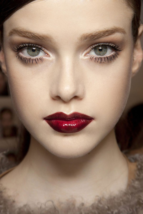 makeup inspiration with deep wine lips and full lashes