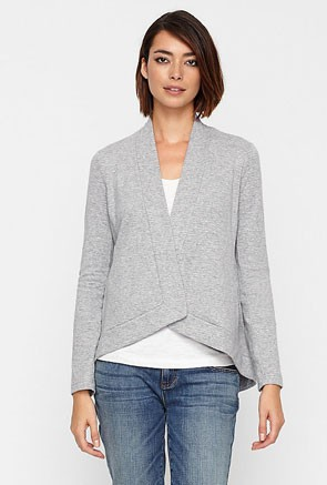 simple grey cardigan with boyfriend jeans