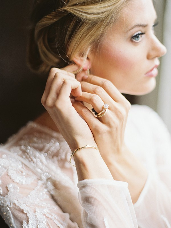 classic bride look from mywedding magazine photo by Kate Ignatowski