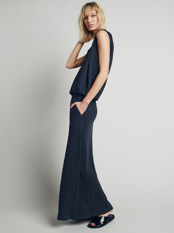long navy jersey dress for casual or beach wedding