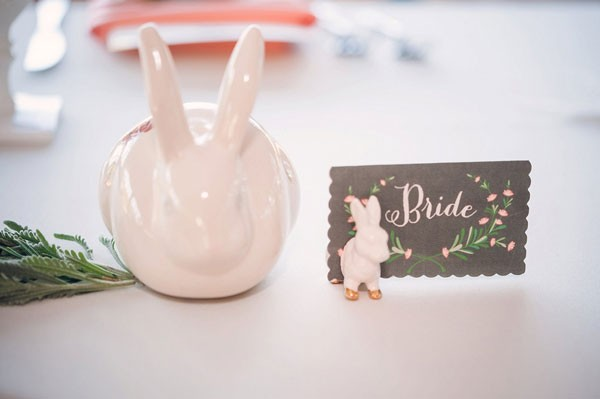 white ceramic bunny with floral place card