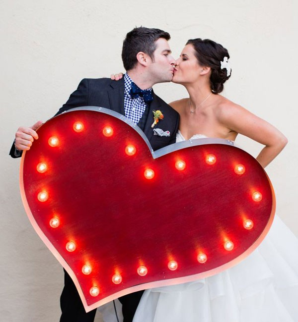 red heart marquee sign with lights