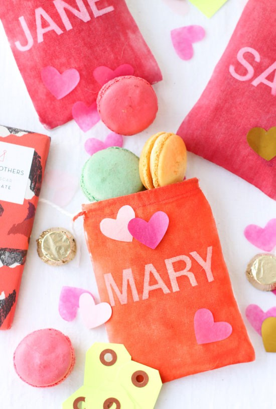 DIY gift bags for Valentine's Day gifts